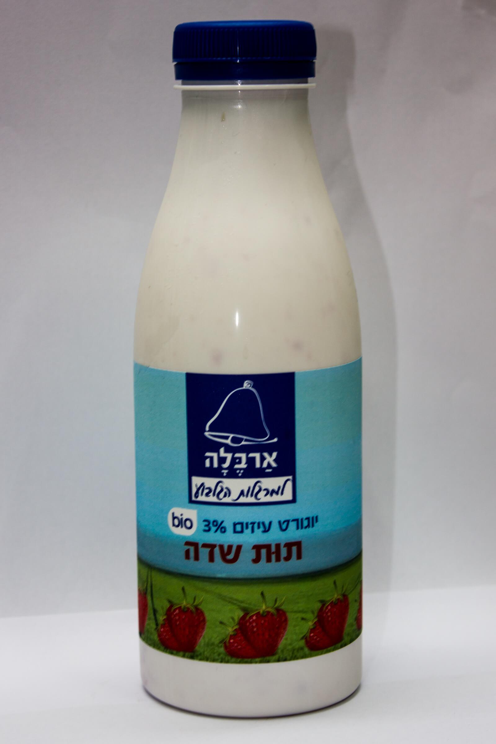 יוגוררט עיזים בטעם תות שדה 3%